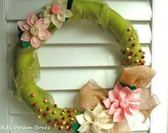 16 inches Handmade Green pink cream natural yarn felt wreath,hoilday christmas wreath,wall decro