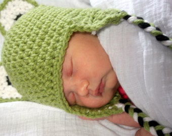 0-3 months Crocheted Photo Prop frog hat 14 in. - IN STOCK