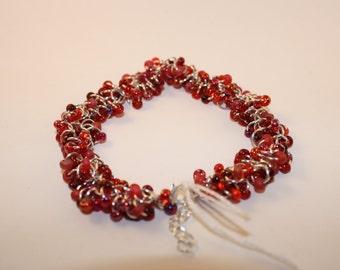 Shaggy Beaded Bracelet (Red)