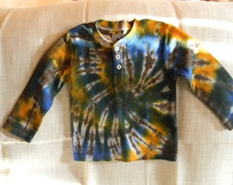 Boys tie dyed long sleeve thermal shirt