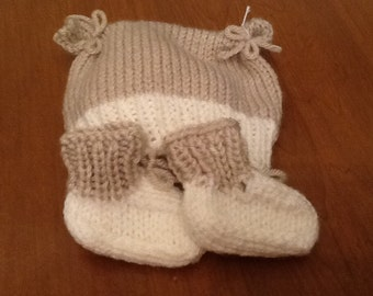 Hand knit flour sack hat and booties