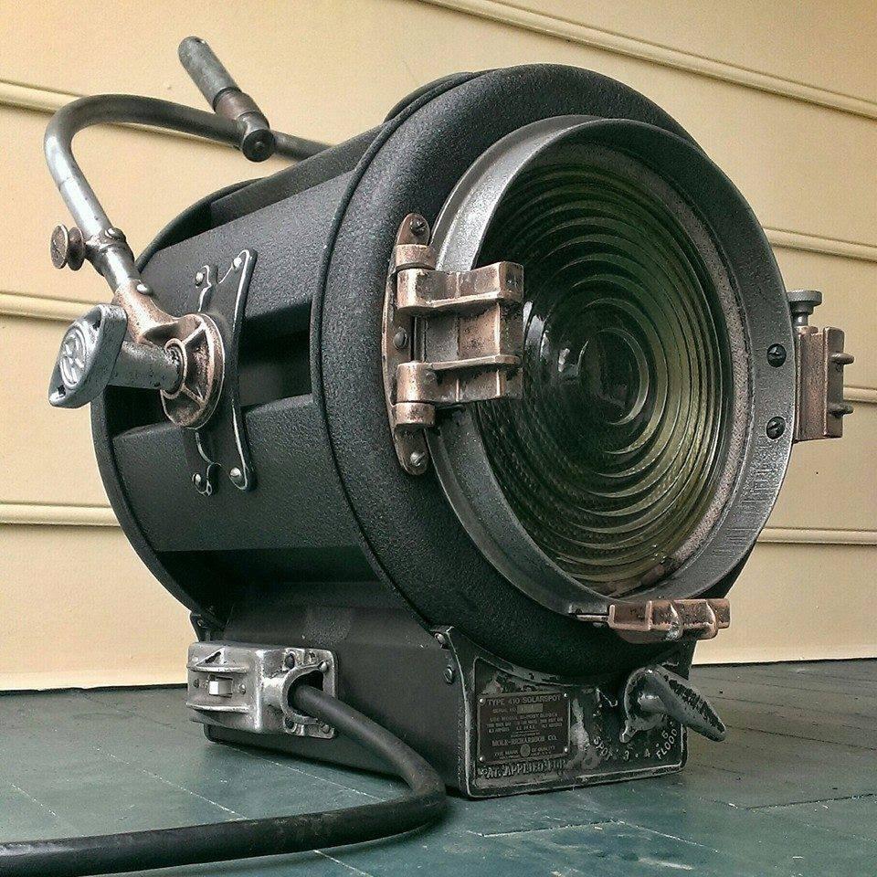 Mole Richardson Zip Light: Mole Richardson 1940's 410 2K Hollywood Movie Light