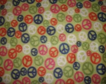 1 Yard Fleece Fabric Bubble Guppies