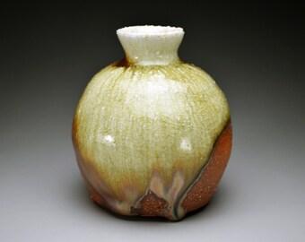 Shigaraki, anagama, ten-day anagama wood firing, with natural ash deposits sake bottle. tokuri-08