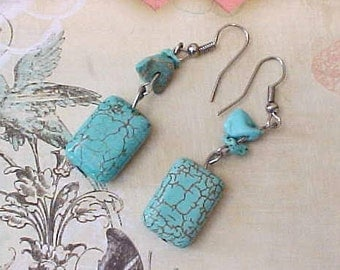 Pretty Dangling Earrings of Turquoise
