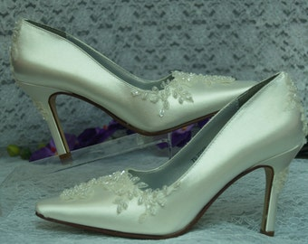 Ivory Wedding Shoes Romantic Heels,hand stitched lace with beads Ivory heels, Satin Pointy Toe Pumps, 3 1/2 inch heel, Old Hollywood Glamor