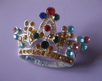 Vintage Jewelry  colored rhinestones silver toned metal crown Brooch no markings