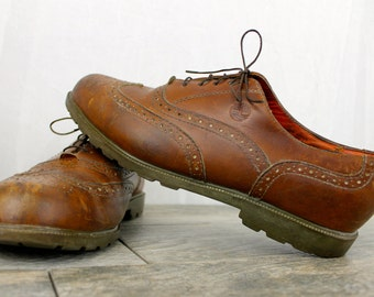 Vintage Distressed TIMBERLAND Leather Brown Wingtip Mens Dress Shoes size 11M Mens Dress Casual shoes Leather Oxford