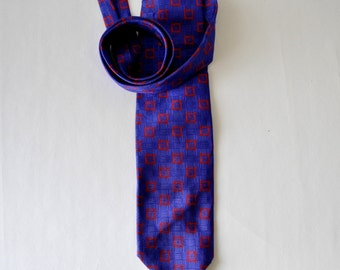 Hickey Freeman purple and red vintage  silk necktie--skinny necktie