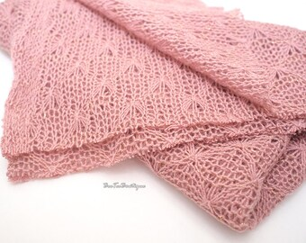 Angel knit - Wool blend - Dusty PINK with gold - open weave knit fabric - Layering Blanket - Newborn photography Props