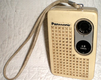 Panasonic R-1013 Transistor Radio