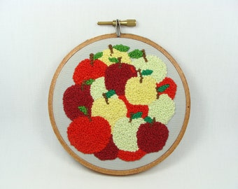 Hand Embroidered Apples - wall Hanging, 4 inch ,fall decoration, gift for teachers, Fall decor, red, green, yellow, custom work available