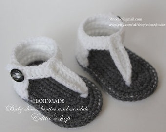 Crochet baby sandals, baby gladiator sandals, baby booties, baby shoes, grey, gray, white, size newborn, 0-3 months, Ready to ship