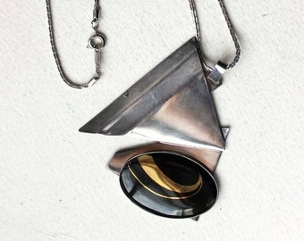 1980 enamel pendant necklace 18k GP black and gold silvertone abstract geometric design