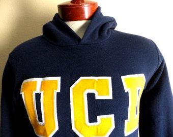 go Aggies vintage 80's UCD University of California Davis navy blue fleece embroidered yellow gold logo graphic hooded hoodie sweatshirt