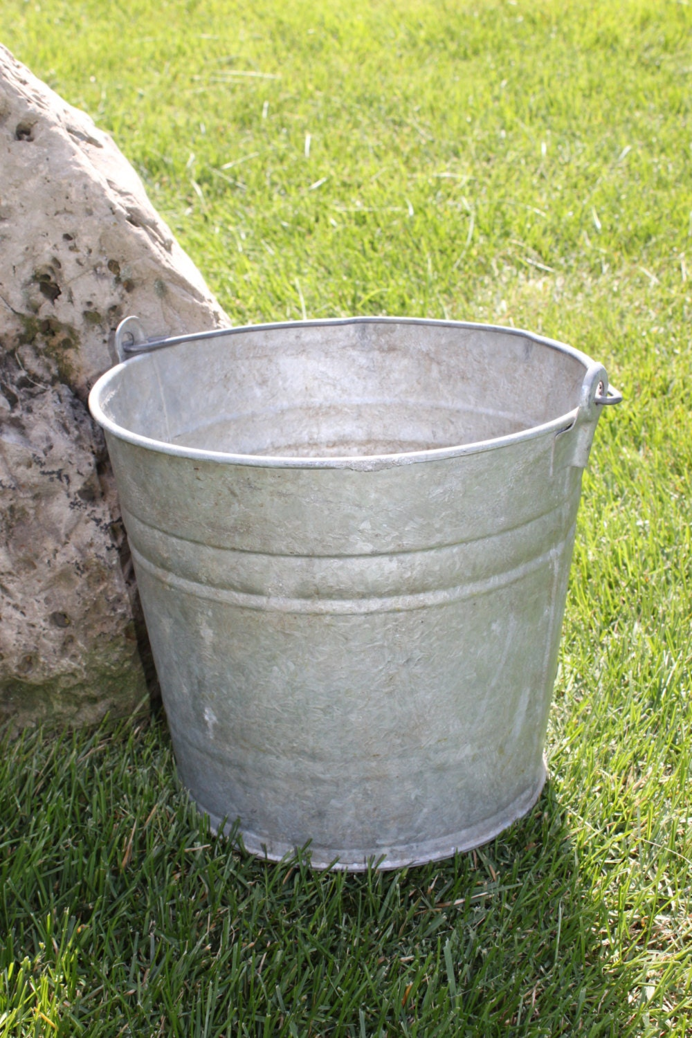 Rustic vintage galvanized bucket farm decor by celesteschall for Rustic galvanized buckets