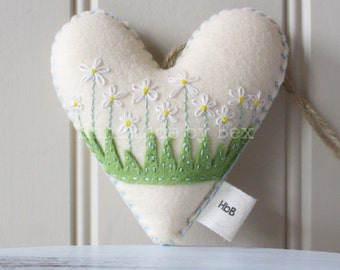 Hand embroidered heart,  stuffed daisy heart, hanging decoration, daisies, spring decoration