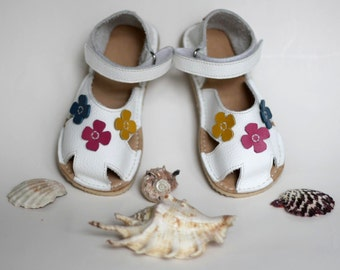 White Toddler Leather Sandals, flowers, ladybug, butterfly design, Vibram sole, support barefoot walking, sizes EU 16 to 24 - US 2 to 7.5