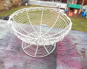 Wire Basket Nice White Color,Fruit Basket,Vintage Basket,Vintage Kitchen decor,Vintage Egg Basket,Vintage Home Decor,:)s