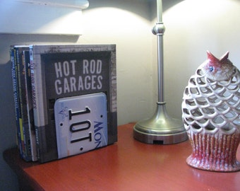MONTANA  LICENSE PLATE Bookends- Perfect for an Office - Mancave - Den.....many states available