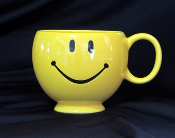 Smile Face Planter - Mug - Cup - Happy - Sunshiney - Birthday - Get Well - Congratulations - You Make Me Smile - Vintage Home Decor