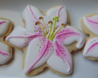 12 Lily Cookies