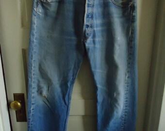 """Vintage 80s Levis 501 Distressed Boyfriend Jeans Waist Sz 35"""""""