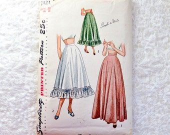Vintage Simplicity Petticoat Pattern 2421 Size Waist 26  From 1948