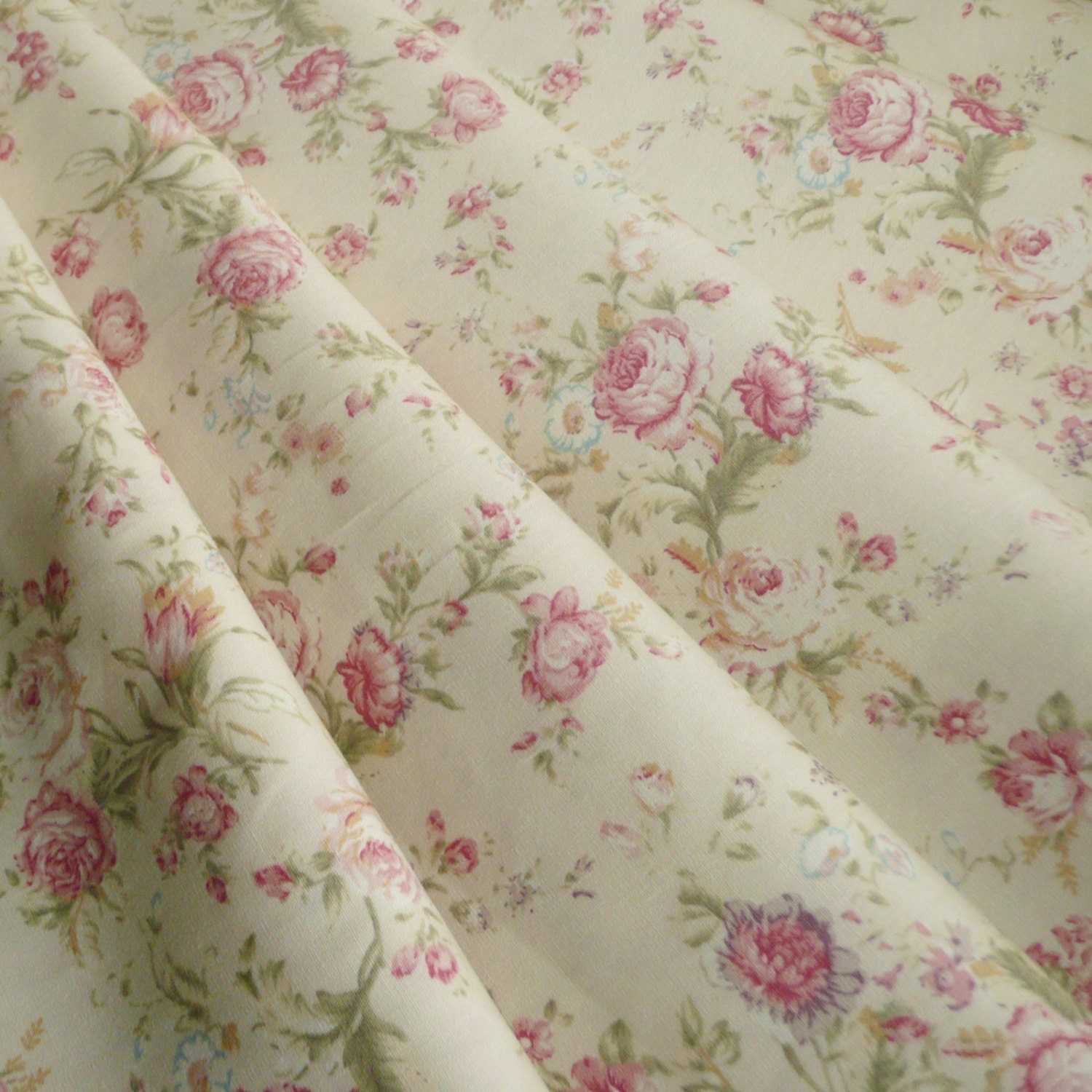 Floral rose cotton poplin print fabric vintage style dusky for Fabric sellers