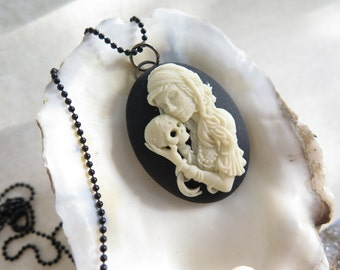 Day of the Dead (Widow Cameo) necklace