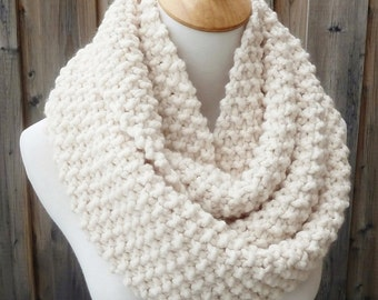 Off White Wool Infinity Scarf - Cream Wool Infinity Scarf - Lambswool Scarf - Bulky Knit Scarf - Circle Scarf - Ready to Ship