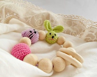 Organic Teething toy Crochet teether with bunny cat head Wooden beads rattle Natural teether Wooden teething toy with animals heads