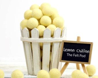 ORG-LC Felt Balls -  2.5 cm - 25 count - Lemon Chiffon