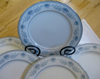 Noritake Blue Hill  Salad Plates Set of 5 Very good