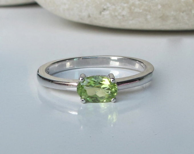 Dainty Oval Peridot Ring- August Birthstone Ring- Green Faceted Prong Ring- Stackable Green Gemstone Ring- Sterling Silver Peridot Ring