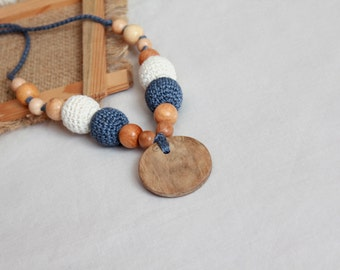 Blue Jeans Eco-Friendly Linen Nursing Necklace- Blue and Natur Linen Teething Necklace- Crochet Breastfeeding Necklace with Wooden Pendant