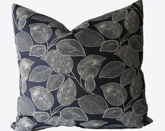 SALE, SALE, SALE, Decorative Outdoor Navy Blue Pillow Cover, 18x18 20x20, 22x22 or Lumbar Floral Throw Pillow