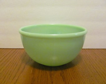 Vintage Jadeite Unmarked Mixing Bowl Beaded Edge Rim Green