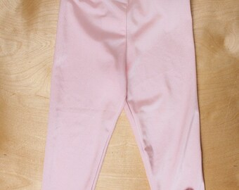 Pink leggings with bows