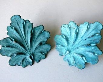 Patina brass leaf clips