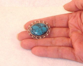 Vintage Sterling Silver Oval Turquoise Brooch with Filigree, Marked Sterling 925 - Sweet Estate Share