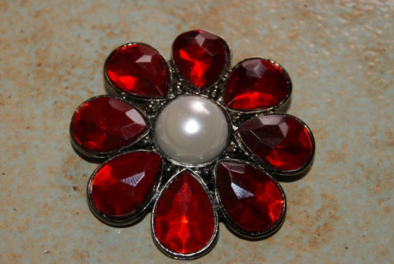 Vintage Floral Pin Or Brooch With Red Stones And Faux Pearl Center Stone Silver Backing