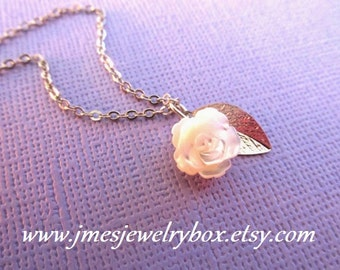 Mother of pearl rose and leaf necklace