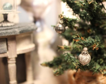 Christmas ornament, dollhouse miniature, scale 1:12