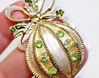 Christmas Ornament Brooch Goldtone and Green Rhinestone Pin