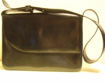 Lovely vintage black patent leather shoulder bag, with long strap, Nanini, Italy