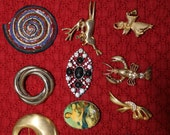Lot A of 14 Brooches All Different Kinds with Working Clasps