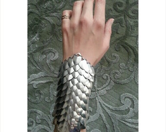 Chainmail / Scalemail Wrist Band