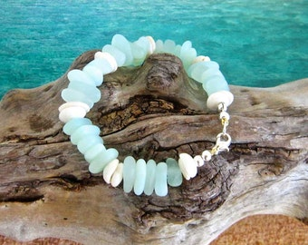 Natural Hawaiian Puka Shell and Sea Glass Bracelet, Seafoam Green and White, Beach Bracelet, North Shore Puka Shells