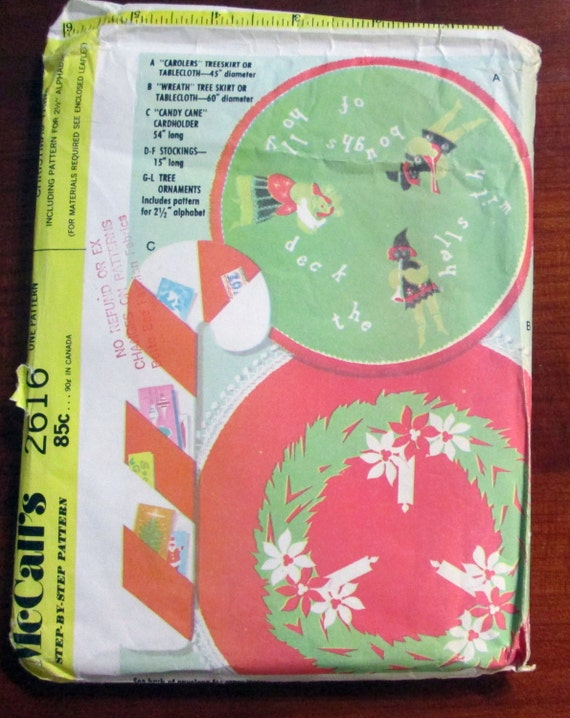 Holiday Christmas Decorations sewing craft sewing pattern tree skirt stocking 1970s McCalls 2616 UNCUT FF